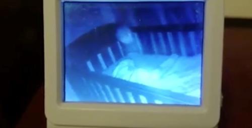 母親が娘をモニタリングしていた映像の一部