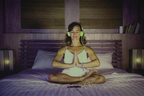 瞑想 ヘッドホン