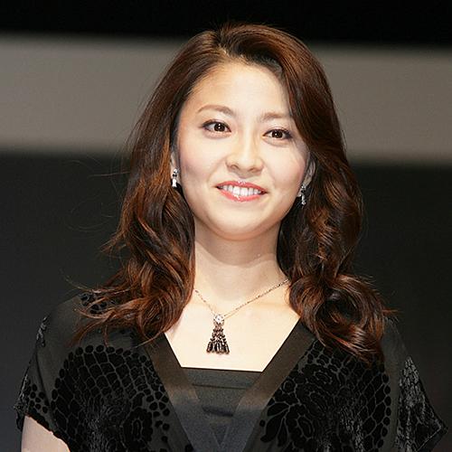がんとの闘病の末に34歳の若さで亡くなったフリーアナウンサーの小林麻央