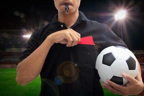 サッカー レッドカード